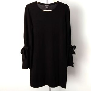 Club Monaco  💯% Wool Knit Dress